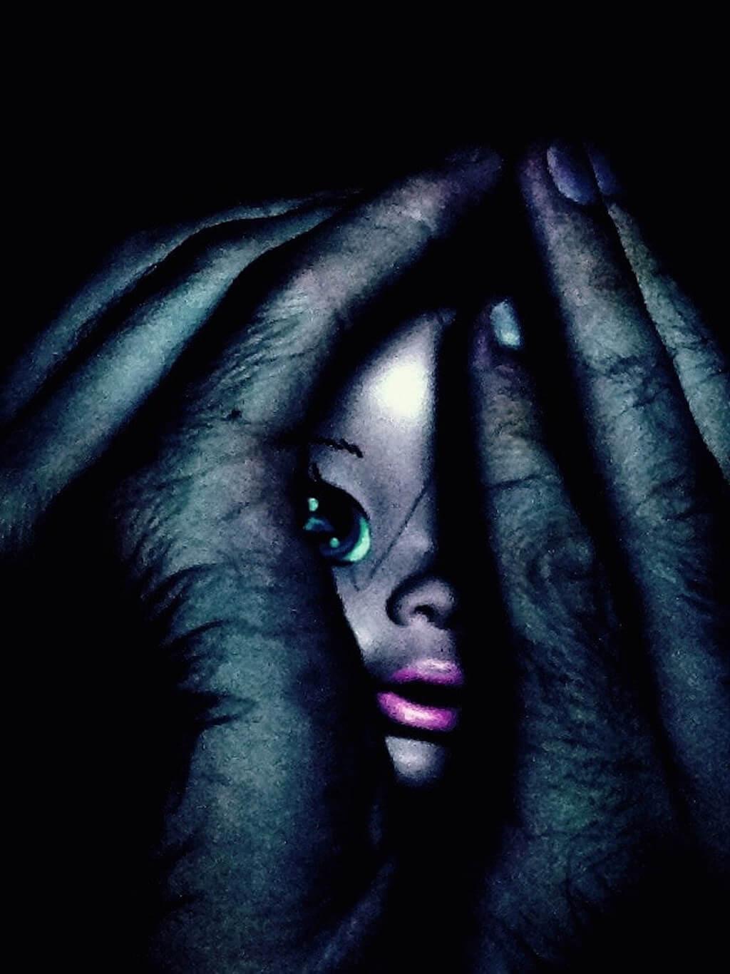 Photographie conceptuelle - Dolls.1 - La fascination (2015)