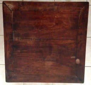 AG Décoration – Table basse en bois, sculptée - Esprit Asie - plateau à l'état brut, taché et abimé - 2017