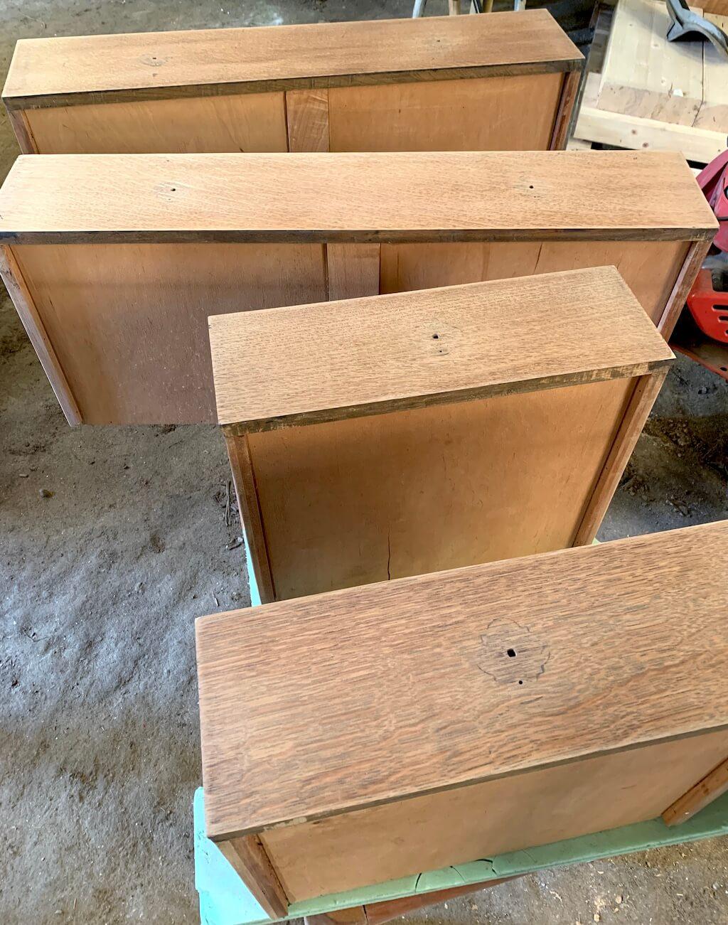 AG Décoration - Coiffeuse anglaise en bois aux tiroirs poncés