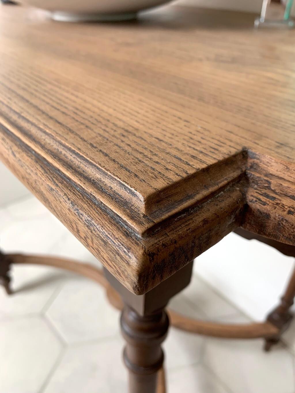 AG Décoration - Petite table en bois vernis en incolore