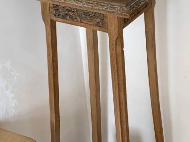 AG Décoration - Sellette en bois rénovée avec décors